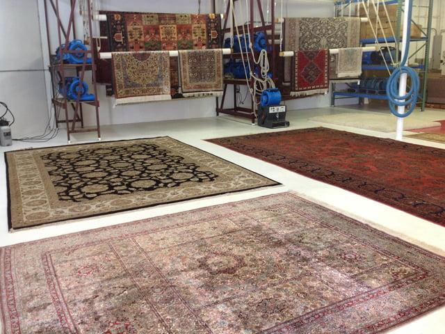 قالیشویی در گوهردشت