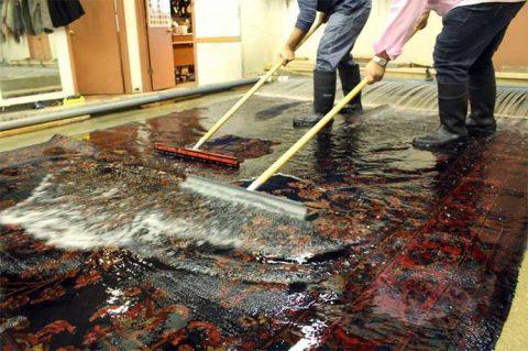 قالیشویی در مشکین دشت