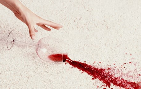 پاک کردن لکه شربت از روی فرش