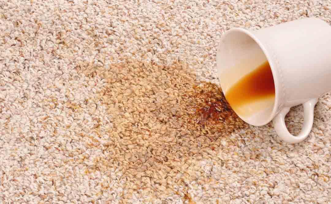 پاک کردن لکه های رنگی از روی فرش